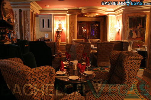 Treasures Gentlemens Club dining