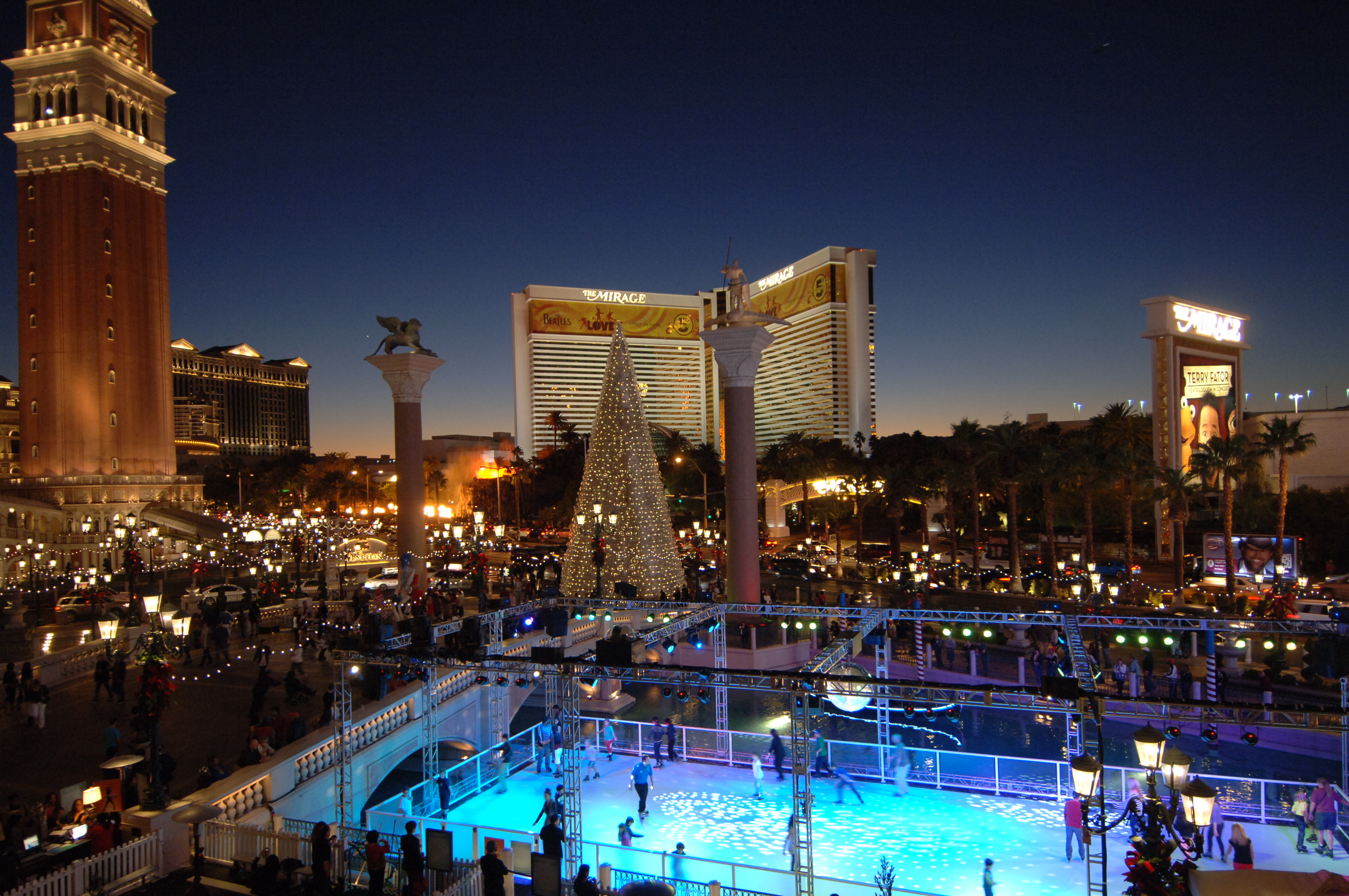 Las vegas shows november 2015 calendar calendar template for Pool show las vegas november