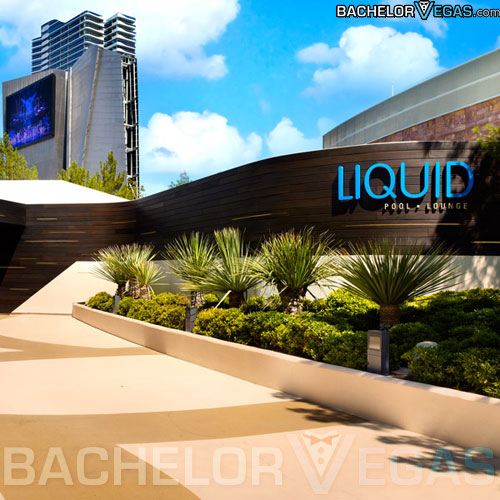 Liquid pool lounge