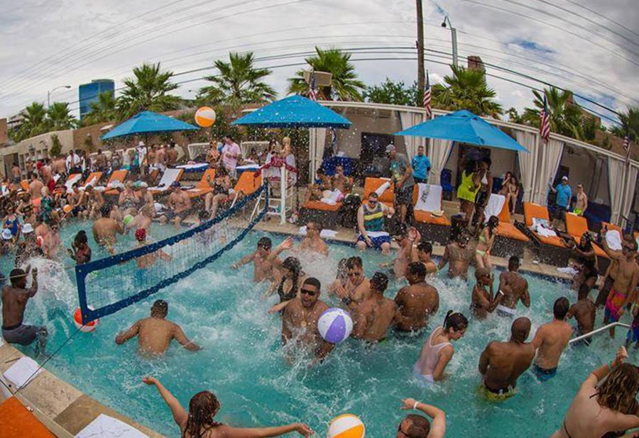 Las vegas topless pool parties video — img 10